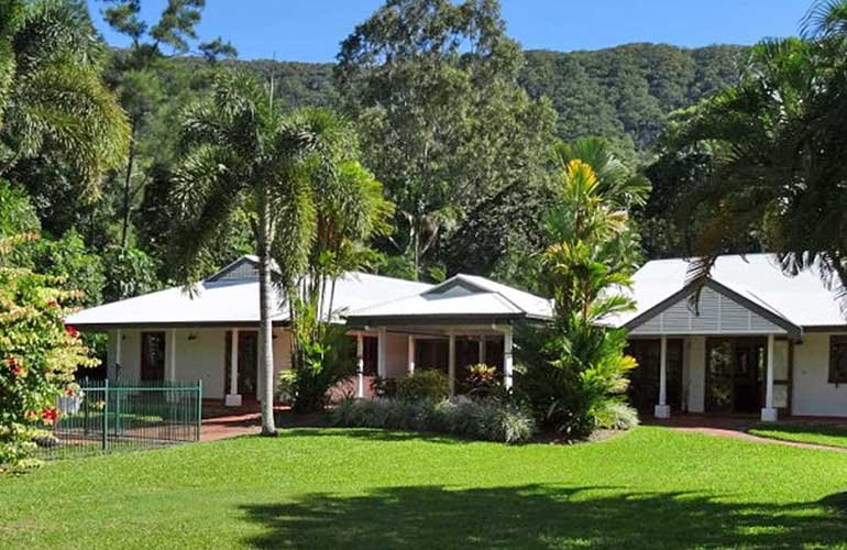 Amazing Shanee Prana , your own retreat in paradise ewarra Beach, Cairns, vacation rental in Kewarra Beach