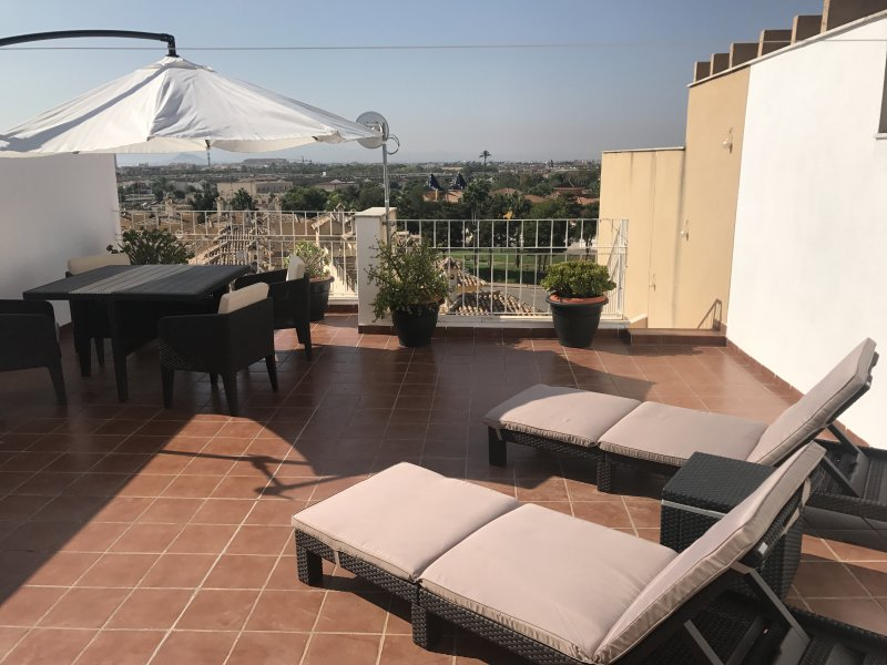Roof terrace with views over the Mar menor