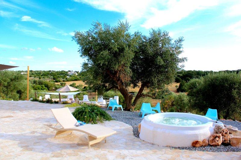 Ostuni indoor heated SPA pool & Jacuzzi in Apulian Paradise: TRULLI OF STARS, alquiler de vacaciones en Certosa