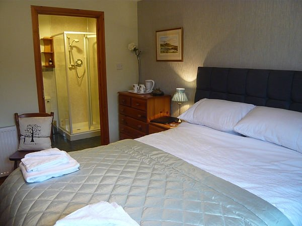 Hazelbank - Earlish Double en-suite, holiday rental in Waternish