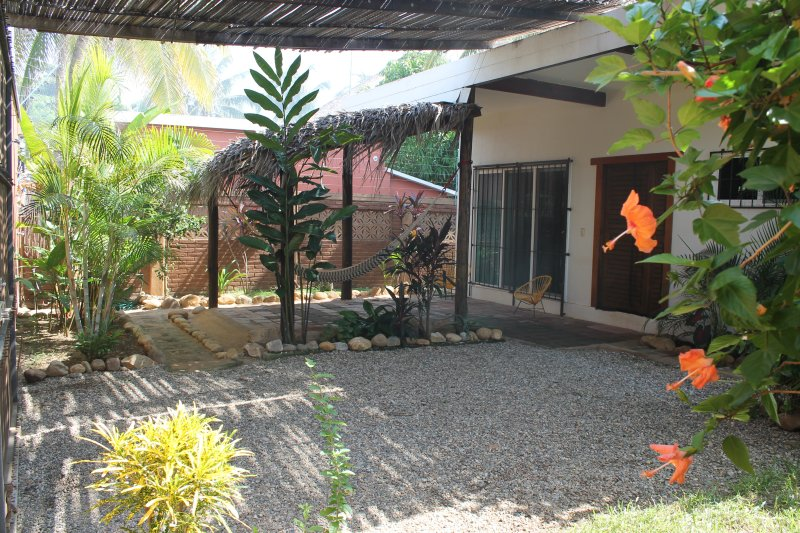 Beach Front Cottage With Air Conditioning, vacation rental in Puerto Escondido