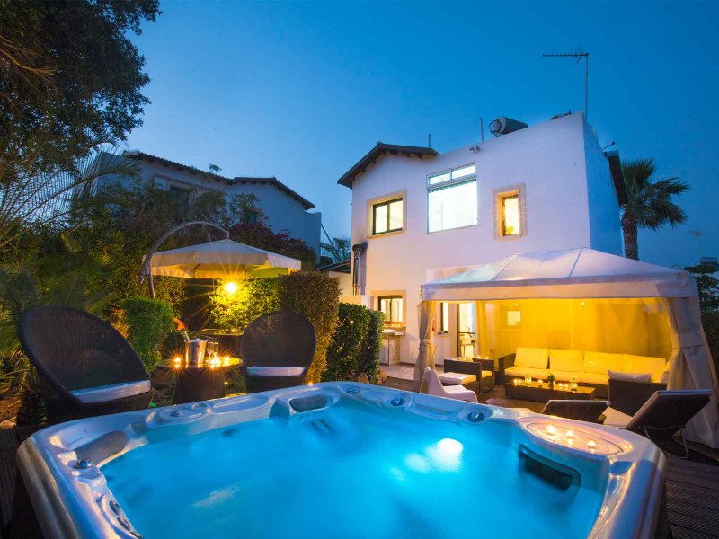 Villa Amelie - Boutique Property, holiday rental in Protaras
