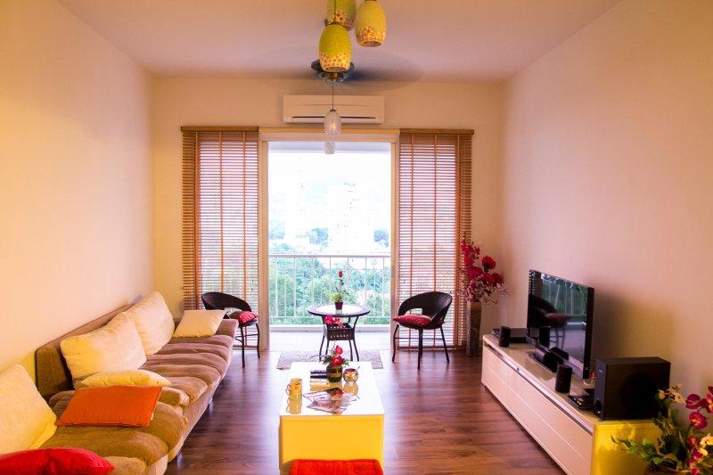 Serene 3-bedroom Condo Sea View at Tanjung Bungah, location de vacances à Tanjung Bungah