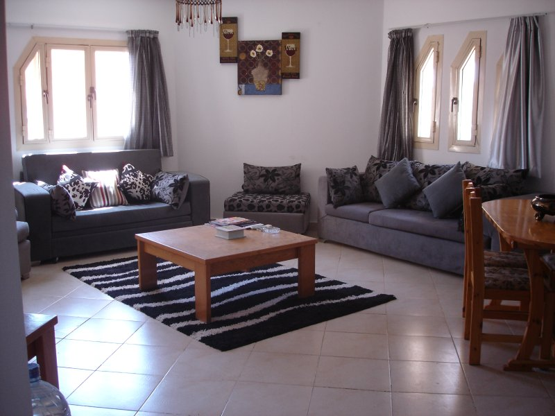 Modern 2Bed/2Bath (308) Prime location, Hurghada, vacation rental in Hurghada
