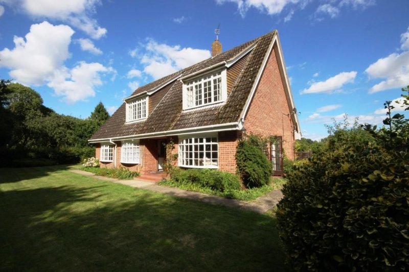 A perfect Norfolk broads retreat!
