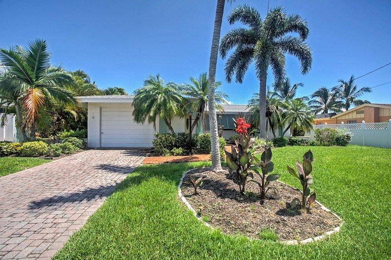 Retire-se para a praia neste beira-mar Fort Myers Beach casa de férias!