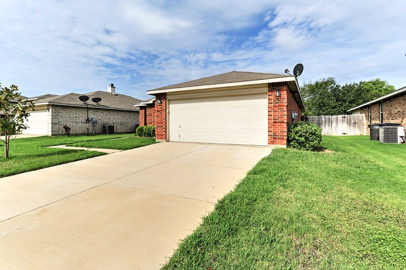 You'll love the convenient location of this property, minutes from downtown!
