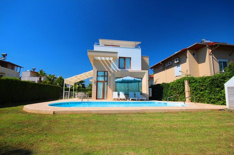 Paradise Town Villa Daisy, vacation rental in Belek