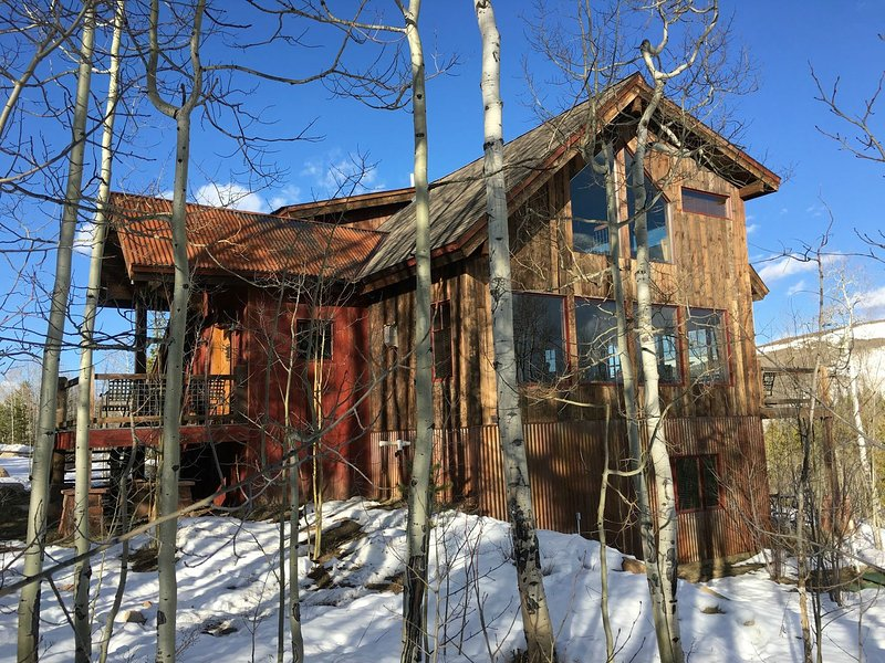 Located in a private setting, surrounded by an aspen forest. Perfect for quiet relaxation, with all the comforts and amenities of a luxury mountain home.