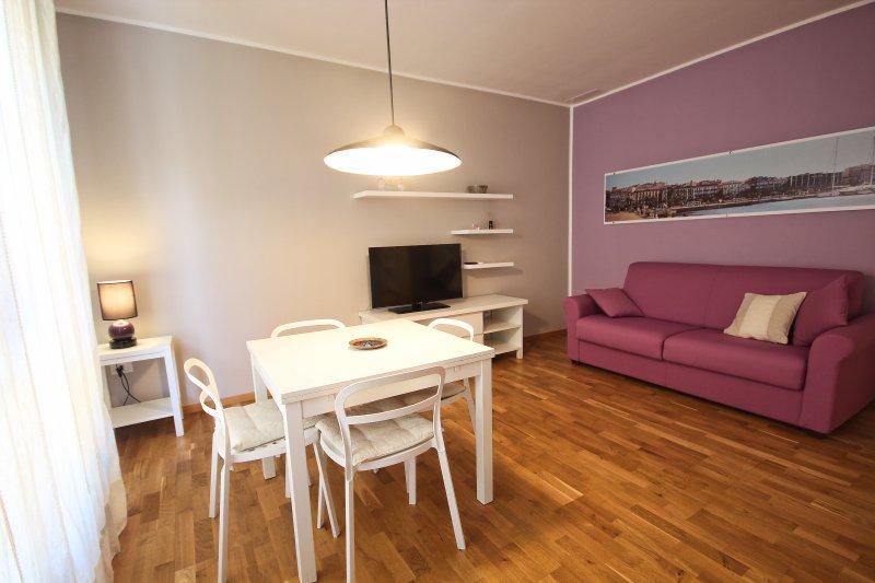 your sweet Violet luxury apartment, location de vacances à Pirri