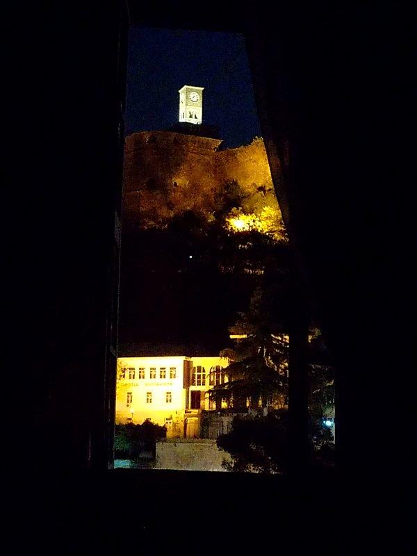 bedroom 2-castle view