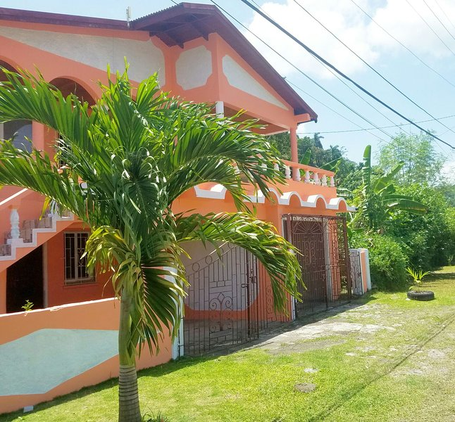 NO REGRETS SERVICES, holiday rental in Port Antonio