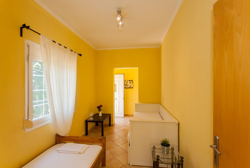 Azogire Paleochora Traditional House n2, holiday rental in Sougia