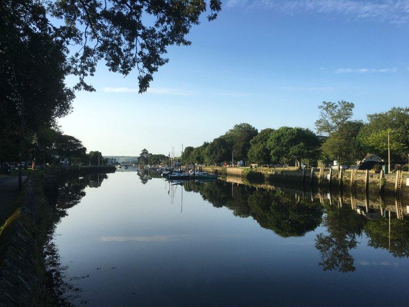 Kingsbridge Estuary- 15 minutes walk away