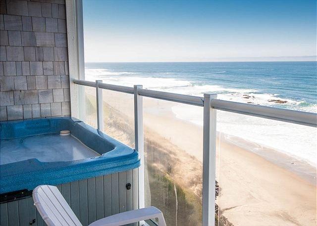 Oregon beach rental with hot tub