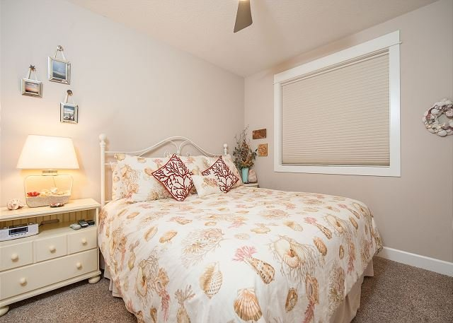 Lincoln City vacation rental room