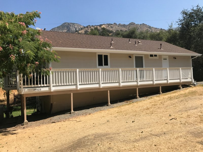 Cinnamon Creek Cottage - Near the South Gate of Sequoia National Park, holiday rental in Springville