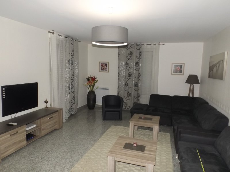 Maison familiale F4 125 m² près de la plage, holiday rental in Briec