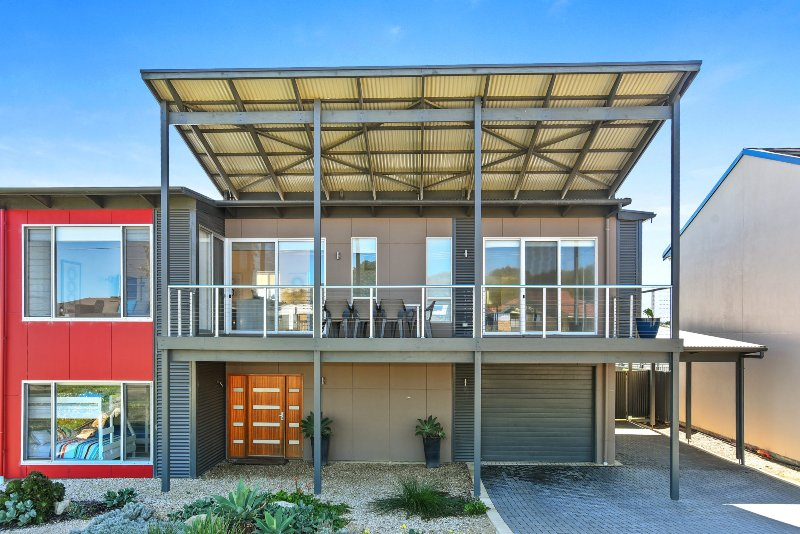 RiverSea - Goolwa Beach House + WiFi + Pet-Friendly, holiday rental in Goolwa