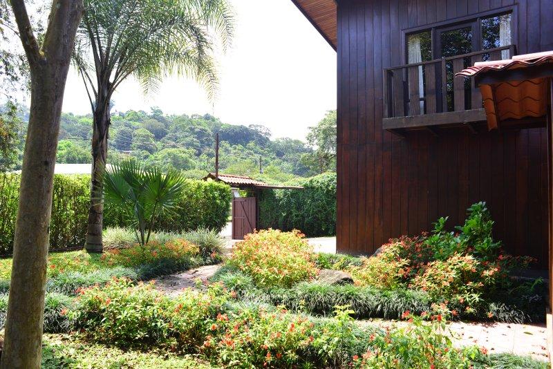 Belles vues et jardins / Belle vue sur les montagnes et les jardins
