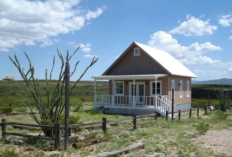 Tombstone Silver Nickel Cabin - 'Tiny House with a BIG View', casa vacanza a Sierra Vista