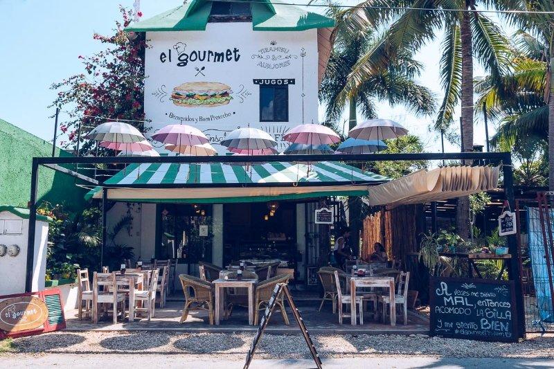 El Gourmet, restaurante y tienda de delicatessen - a poca distancia