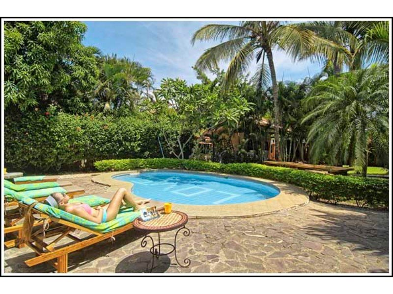 Villa Doña Iñes - Privacy! Gorgeous  home,  guest house & pool, free wifi!, holiday rental in Tamarindo
