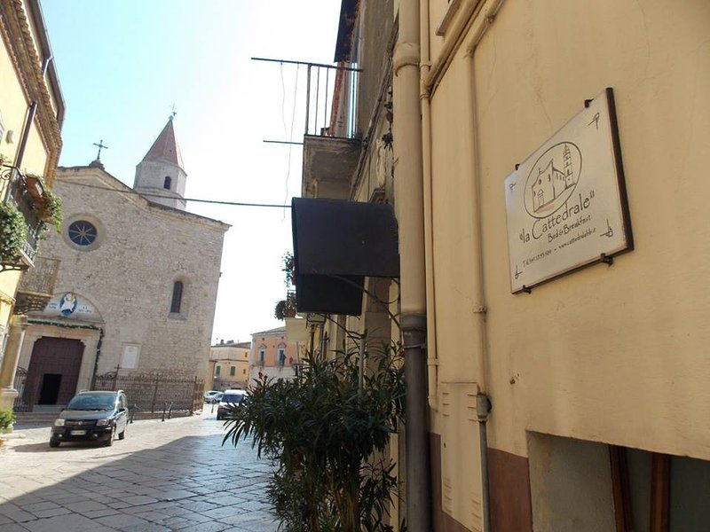 Bed and Breakfast 'la Cattedrale - Venosa', holiday rental in Pietragalla