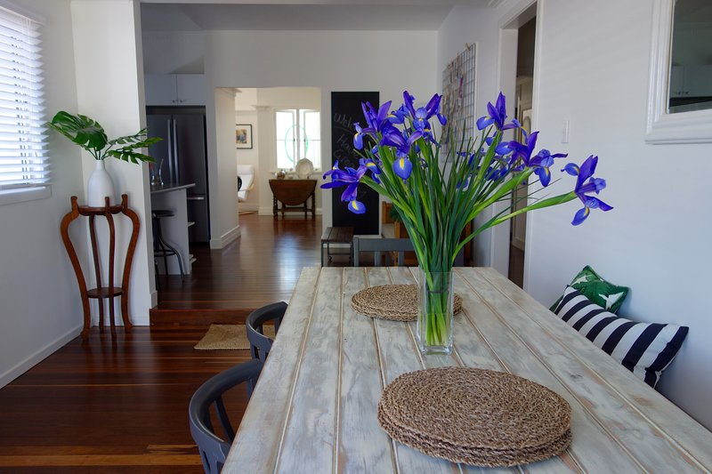 The Lighthouse comfortable, stylish and quiet in a great location, holiday rental in Nobby