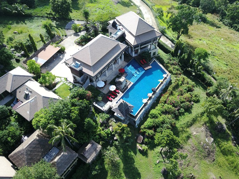 5 Bedroomed Luxury villa with seaview, holiday rental in Taling Ngam