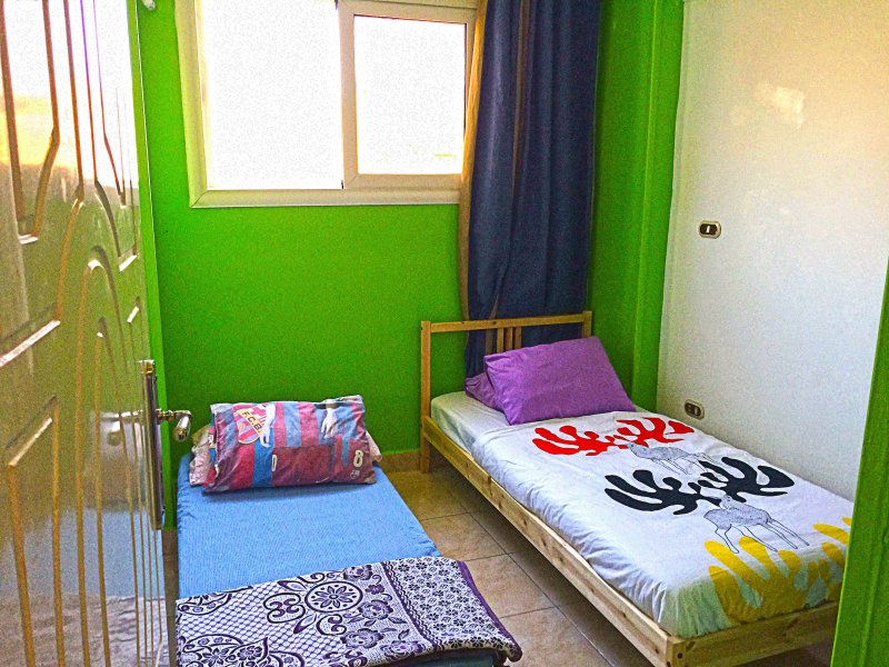 Cairo Guesthouse(Budget Twin Room), holiday rental in Shubra Al Khaymah