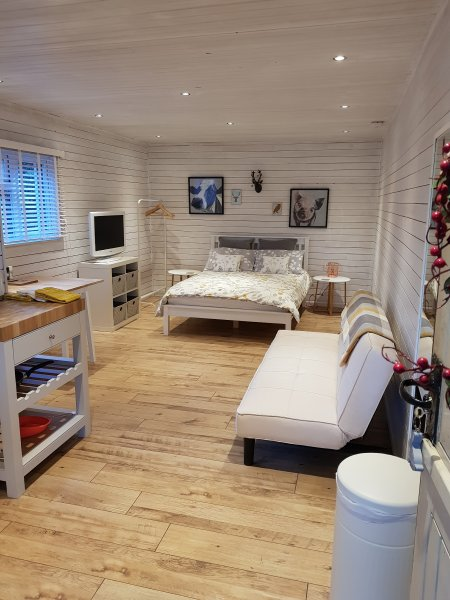 Yaverland Retreat Self Catering Barn - New Forest, holiday rental in Boldre