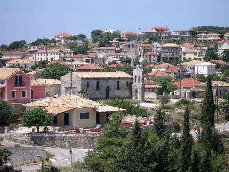 Villa Alamis, holiday rental in Lagopodo