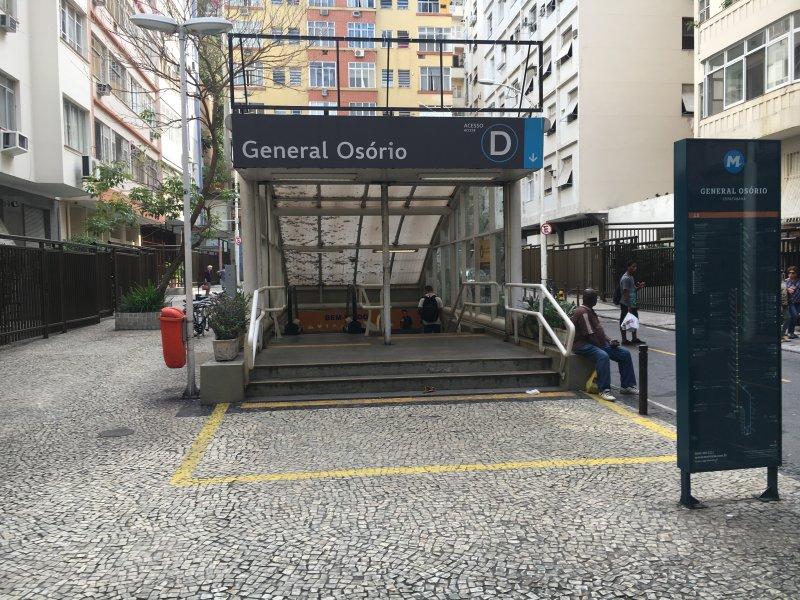 Station de métro 50 mètres du bâtiment