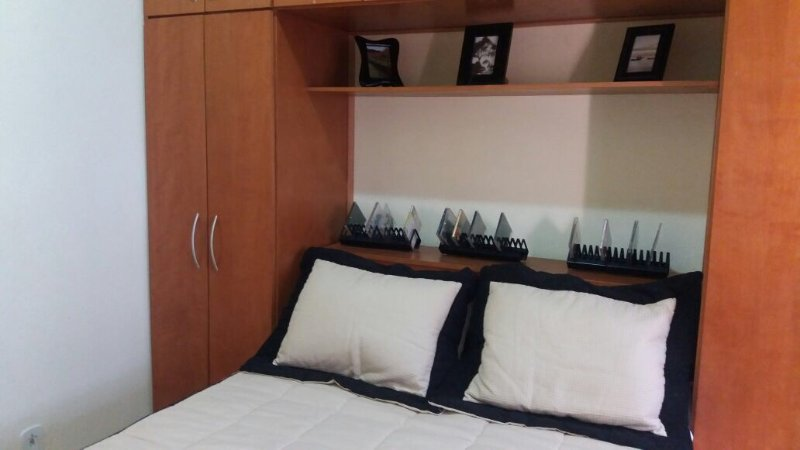 Chambre (confortable lit double avec matelas à ressorts)