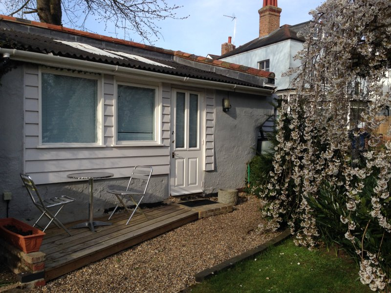 Secluded garden studio in heart of Halesworth