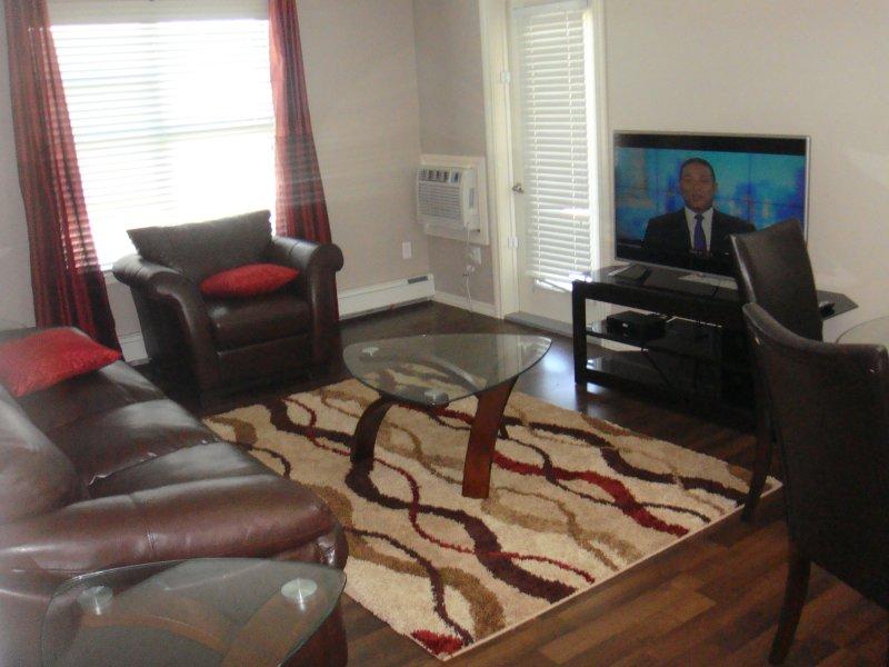 Furnished 2 bedroom Condo in Stonebridge Saskatoon, holiday rental in Saskatoon