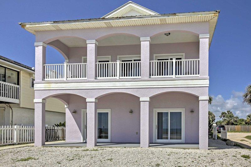 Esta casa de playa tiene todo lo necesario para su próxima escapada estado del sol!