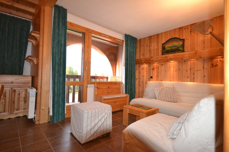 Lounge area with balcony with a view of Mont Blanc