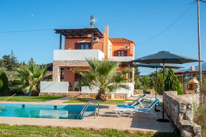 Rafaella Villa With Private Pool Kefalas Crete, holiday rental in Kefalas