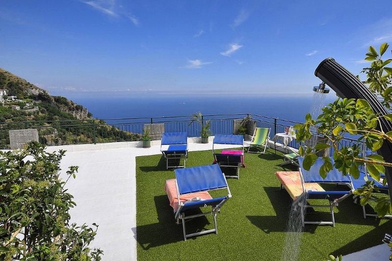 Furore Holiday Home Sleeps 7 with WiFi - 5228655, vacation rental in Fiordo di Furore