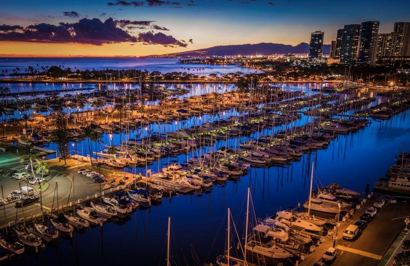 Ilikai Collection # 2. Beachfront Condo with ocean views from every room!, alquiler de vacaciones en Honolulu