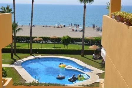 Pool, trädgård, strand ...