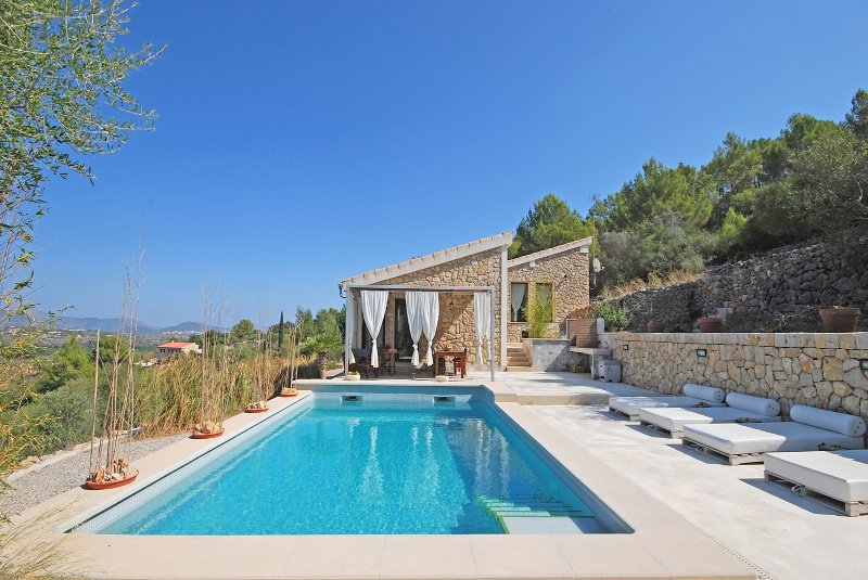PUIGFERRER - Country house with pool and panoramic views in Selva, vacation rental in Selva