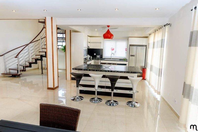 Location  appartement meublé, luxueux et moderne avec une vue imprenable, alquiler de vacaciones en Antananarivo