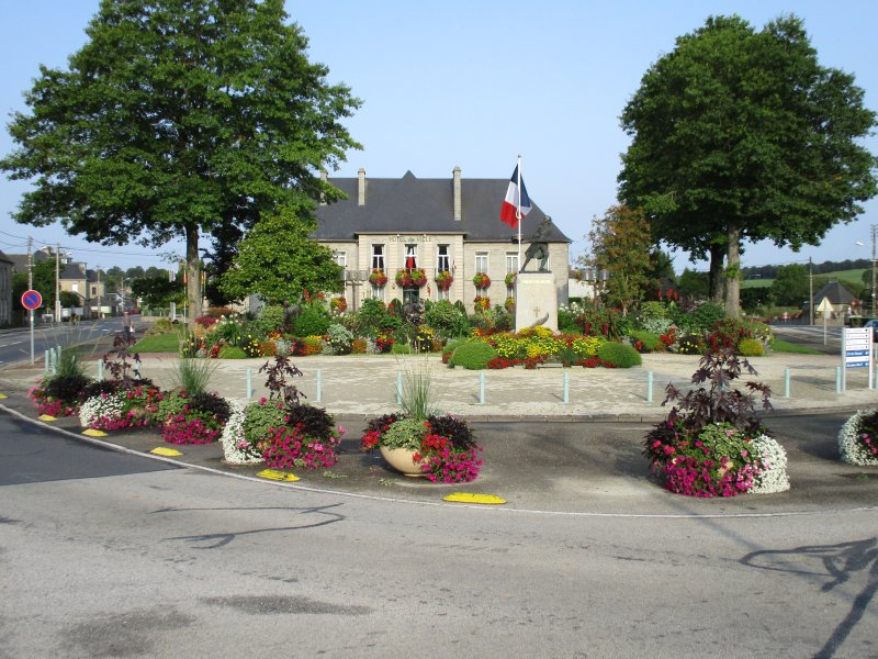Hotel de Ville, Sourdeval - 8 minutos de distância
