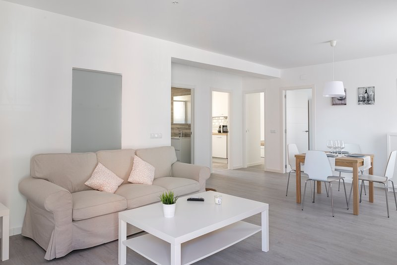 AparUP Las Naves AACC + WiFi + Nespresso, holiday rental in Valencia
