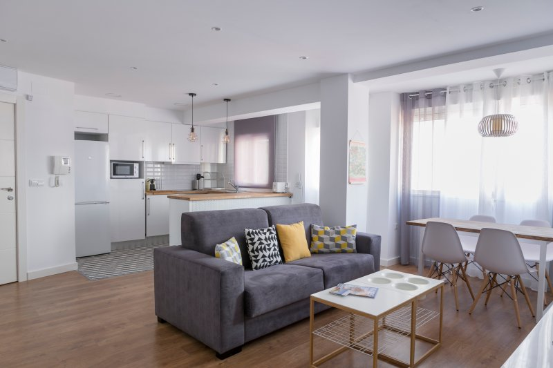 ApartUP Pineapple. AACC + WiFi + Nespresso, holiday rental in Albalat dels Sorells