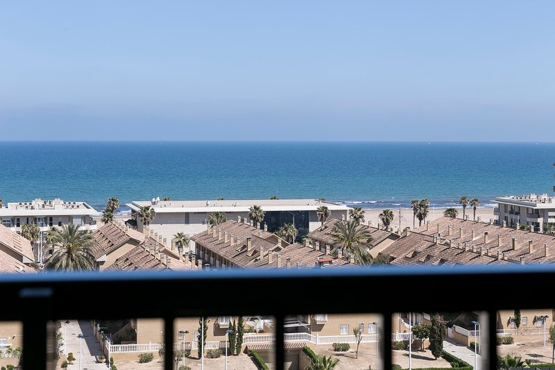 ApartUP Patacona Horizon. WiFi + Pool + PK + AACC, holiday rental in Valencia