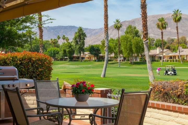 Quiet Escape!  Lovely Western Mountain & Fairway Views!  Central Location!!  Mon, vacation rental in Palm Desert